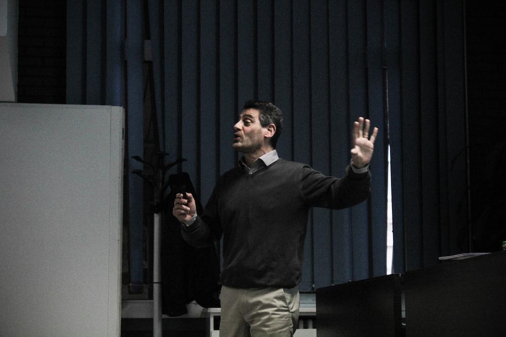 Davide Luzzati presenta